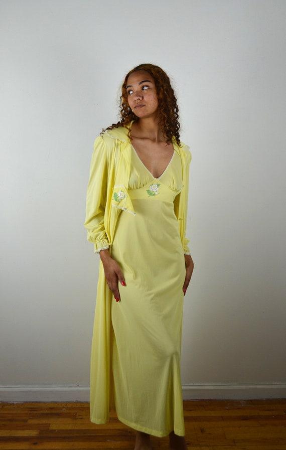 Vintage 70s Nightgown Robe Set / 1970s Vintage Sli