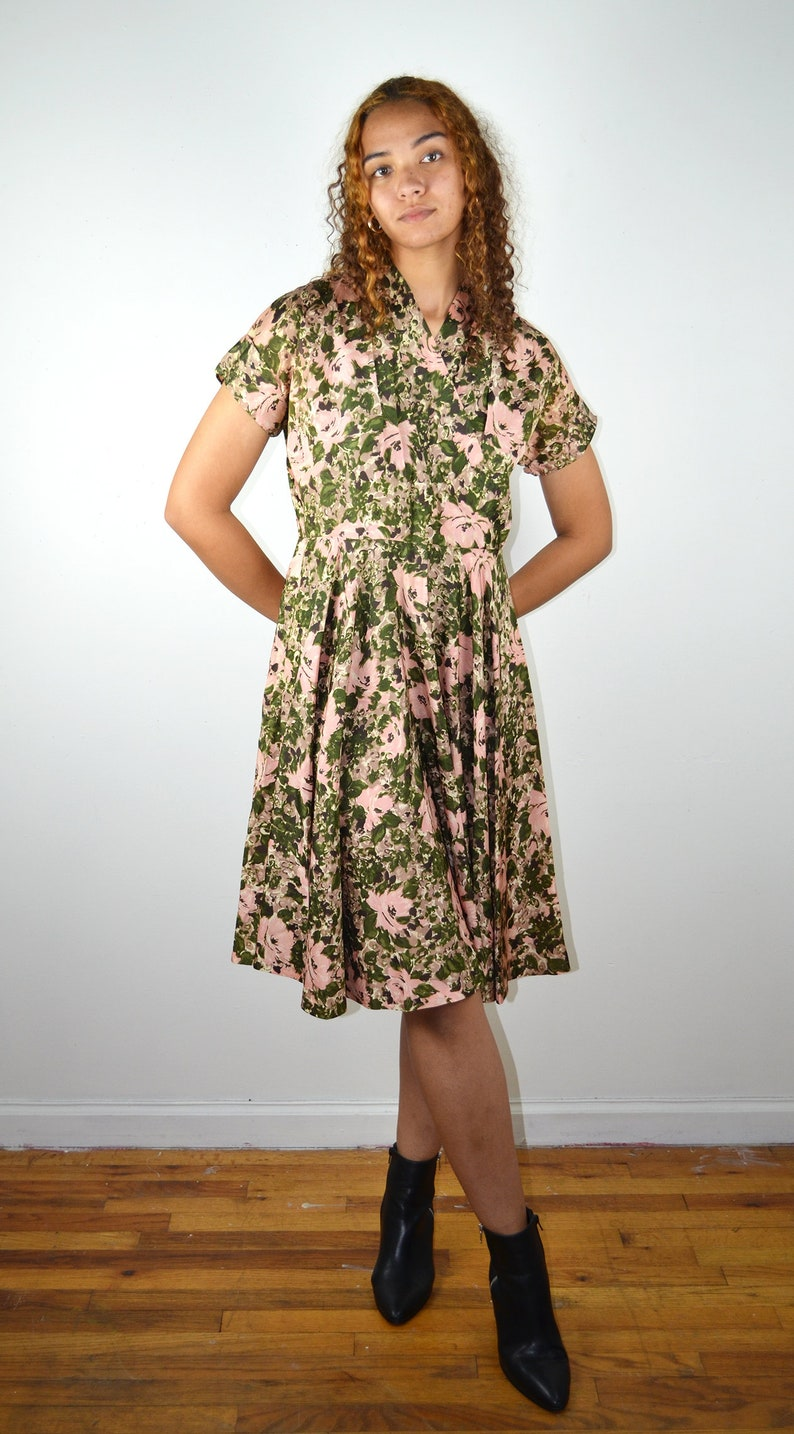Vintage 50s Dress  Floral Silk Dress 1950s Vintage New Look Dress  VLV Pin Up Pinup  1950s Cocktail Dress Medium Large Pleated  Cuffs