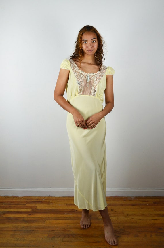 Vintage 30s 40s Bias Cut Nightgown / 1940s 1930s Y