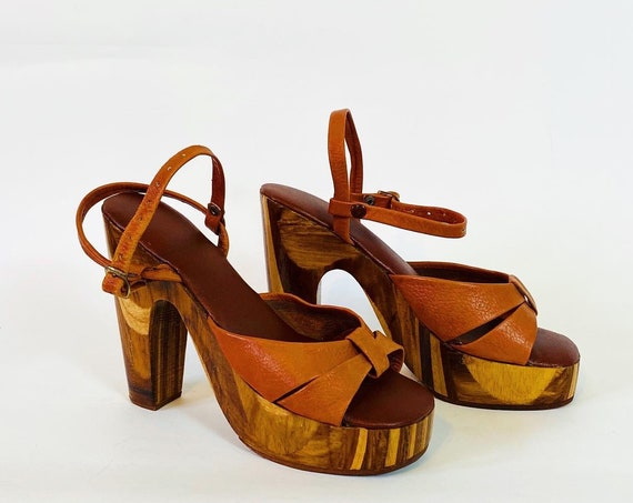 "70s wood platform heels, Vintage 1970s hippie wooden shoes, Brown leather ankle strap sandals, five inch 5"" high heels 8 M"