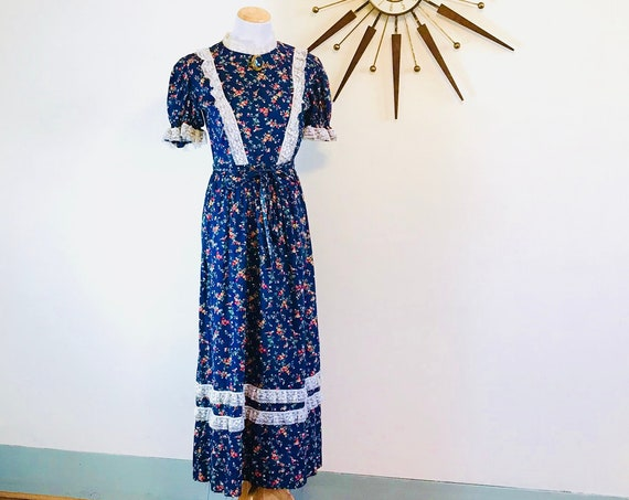 70s Floral Prairie Dress, Boho Maxi dress, Vintage Pioneer Dress Navy Blue Hippie Flower Print 1970s cotton lace Little House on the Prairie