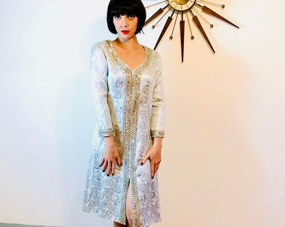 Mod Metallic Dress, 60s silver dress, Space Age Dress, 60s Cocktail Dress, 1960s Metallic dress, Vintage 60s dress, Silver sequin dress
