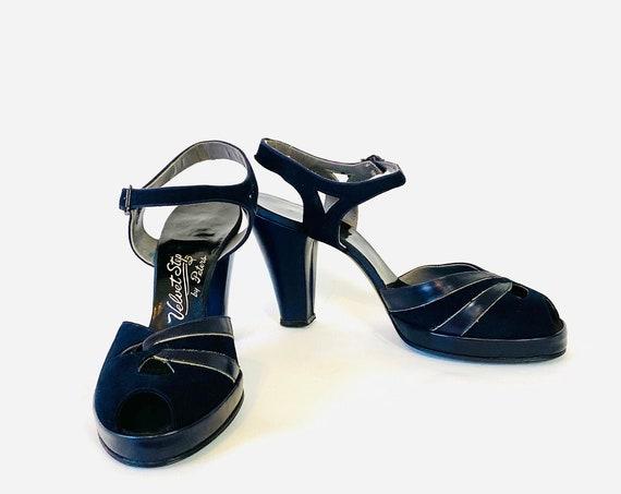 40s Velvet Step Platform Heels, 1940s High Heel Pumps, Navy Blue Leather Heels, Rockabilly Swing Dance shoes, WWII Era peep toes, Size 9 N