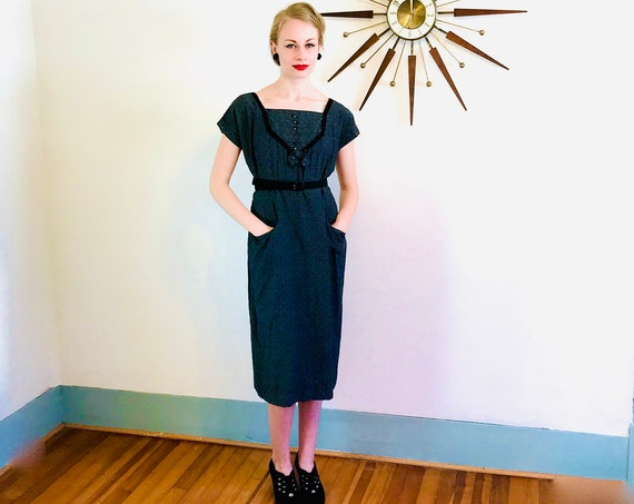 Vintage 1940s Day Dress, 40s gray Cotton Dress, Black eyelet Dress, Short Sleeve 50s Shirtdress, 40s Retro Housewife Frock, Size L XL 12 14