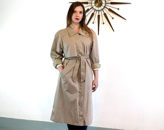 London Fog trench coat, Womens Trench coat, Khaki trench coat, classic trench coat, Vintage 70s trench coat, vent flap trench, Size L 10 P