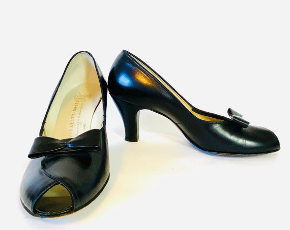 40s Black Leather Pumps, 1940s Vitality Shoes Low Heels, Black Leather Vintage Swing Dance Shoes, Pinup Rockabilly WWII Era Peep Toes Size 8