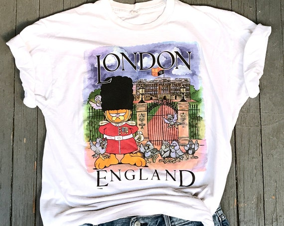 80s Garfield T-shirt, Garfield the cat, London England, Authentic 1980s Vintage, Queens Guard, Buckingham Palace, Paws Inc, Screen Stars tee