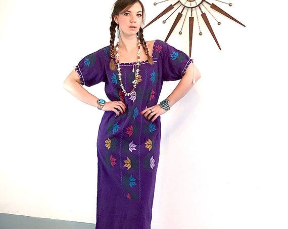 Vintage 70s Bohemian Maxi Dress, 1970s Guatemalan Dress, Long Embroidered Caftan, Boho hippie ethnic, Purple cotton peasant, festival dress