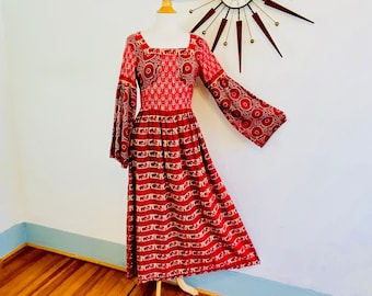 Vintage 70s Indian tapestry maxi dress, 1970s Hippie Boho Caftan, Red Cotton Block Print India Elephants, long balloon sleeve Ethnic kaftan