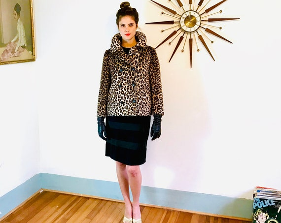 60s Leopard print Jacket, Short faux fur leopard coat, Vintage 1960s Cropped cheetah coat