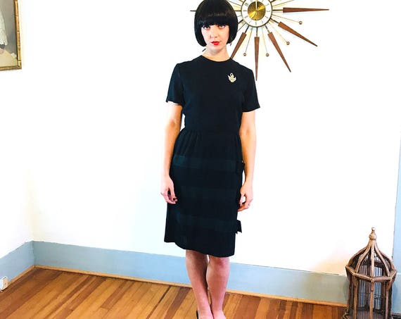 Black 50s wiggle dress, 1950s cocktail dress, 50s Little black dress, Pencil Skirt Dress, MAD MEN dress