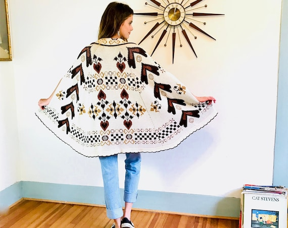 70s STURBRIDGE Poncho, Vintage sweater cape, 1970s hippie poncho, Folk art knit Dutch Heart pattern, Long Boho poncho, Brown Beige Cream