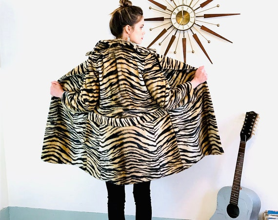 1960s Tiger Print swing Coat, SAFARI Le France, Vintage Faux Fur Animal print long jacket, Leopard print Womens trapeze coat
