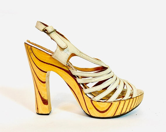 """70s platform heels, Vintage 1970s wooden high heels, Strappy white leather wood sandals, sexy slingbacks, five inch 5"""" high heel, Size 6.5 7"""