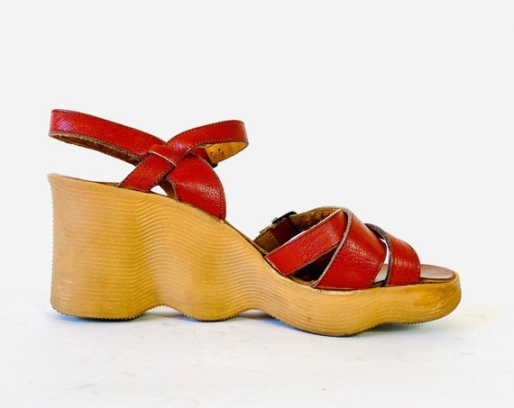 Famolare 70s platform heels, Vintage 1970s hippie shoes, Wavy rubber platform sandals, Go there Platform wedge sandals, Womens size 7.5 8