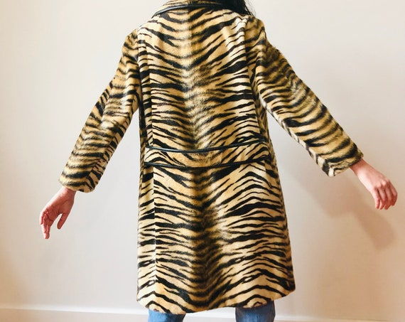 1960s Tiger Print Coat, SAFARI Sportowne Le France, 60s Vintage Faux Fur Animal print long jacket, leopard coat