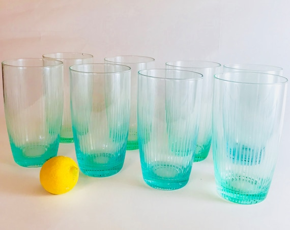 Tall 60s blue glasses, Set of 8 eight, etched 1960s glass, Cyan aqua green, Big drinking glass, Mid Century barware, Large 20 oz Highball