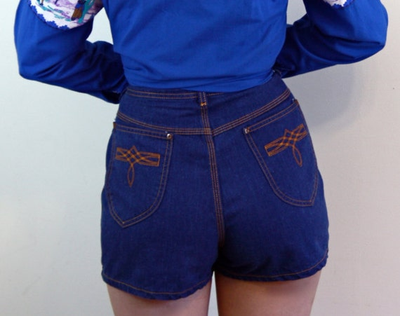 Vintage SEARS Shorts, 70s denim shorts, 1970s jean shorts, Super High Rise Waist, Embroidered Pockets, 70s Womens Shorts, size XL 10 12