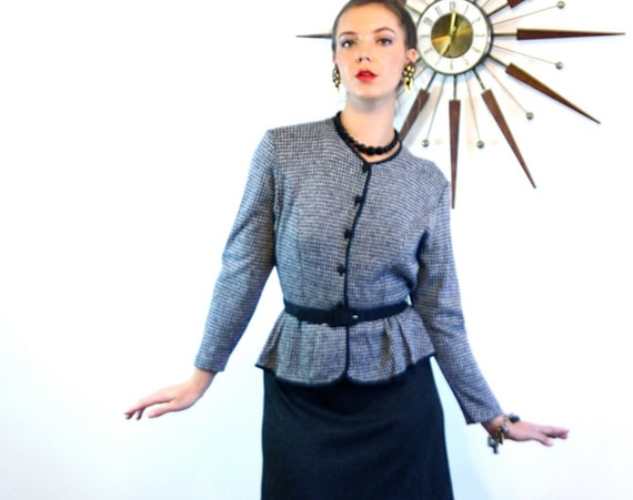 Vintage 80s Dress, Pencil Skirt Dress, Secretary dress, Peplum Dress , Houndstooth Black Gray, High Collar, Long Sleeve, 1980s Knit Dress