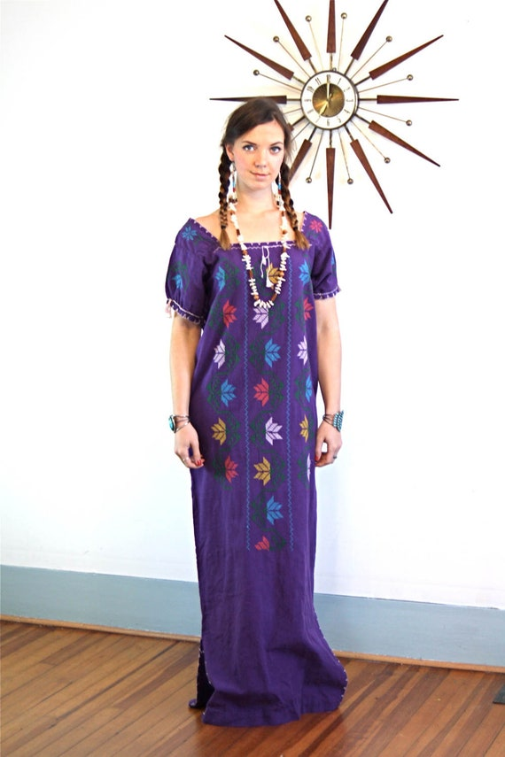Bohemian Maxi Dress, 70s Guatemalan Dress, Long Embroidered Caftan,Vintage 1970s kaftan,Boho hippie dress,Ethnic Peasant dress,Purple Cotton