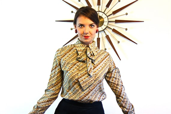 Pussybow Blouse, Vintage 60s blouse, Brown Tan Stripes, Secretary blouse, Pussy Bow blouse, Big Butterfly Collar, 1960s MAD MEN blouse, M