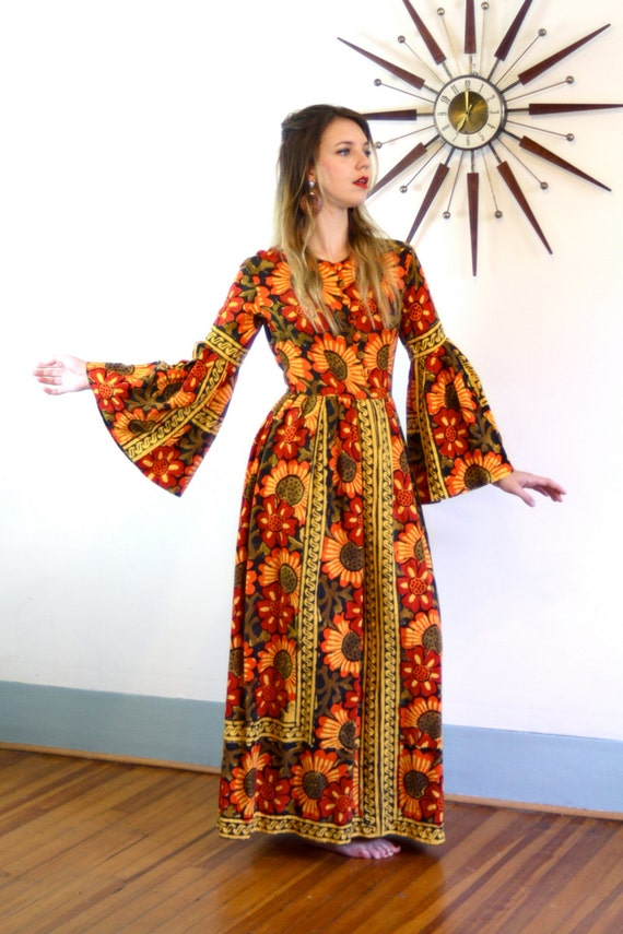 Long Indian dress, 70s Maxi dress, Vintage 1970s Kaftan, Boho India Caftan, Orange Cotton Tapestry, Hippie bell sleeves, Yellow Sunflowers