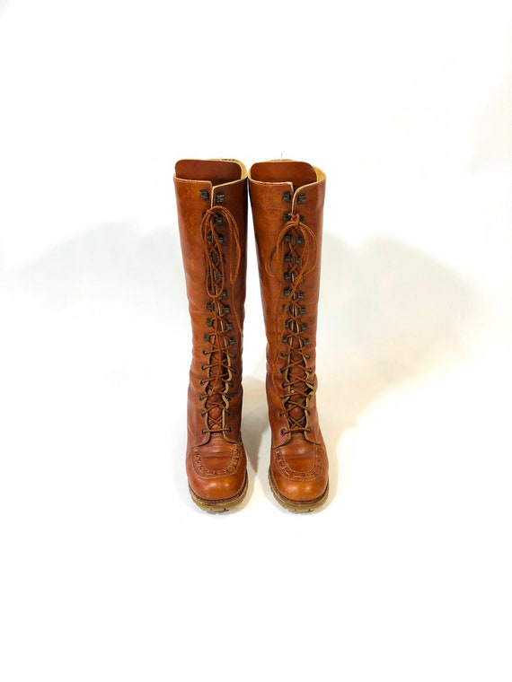 1970s Tall Leather Lace Up Boots, Vintage 70s Knee High Gypsy Boots, Braided Tan saddle brown Prairie shoes, Hook laces Stacked Heels, 7.5 M