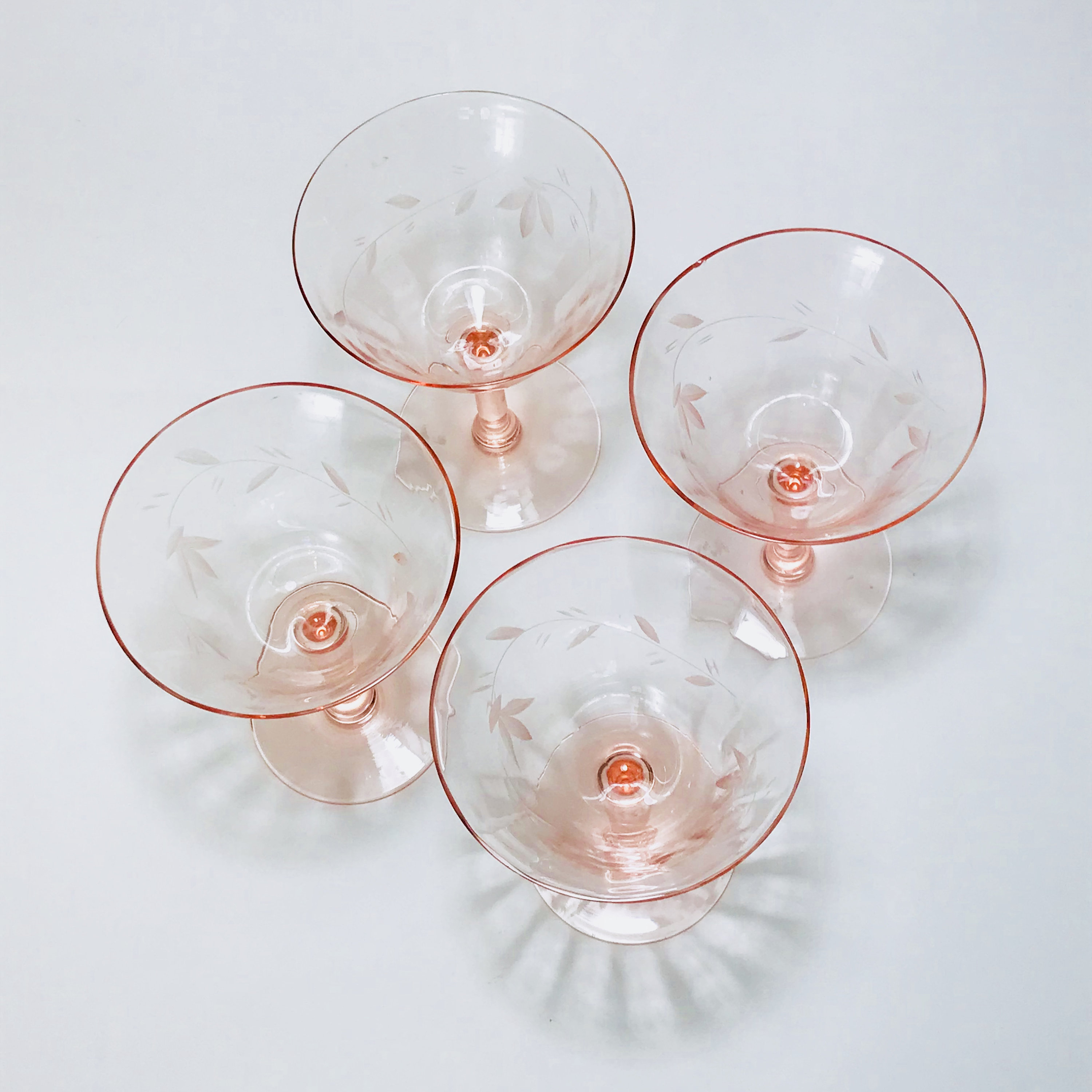 Pink Cocktail Glasses 30s 40s Coupe Glasses Etched Glass Cordials Set Of 4 Four Champagne Glasses Aperitif Glasses Vintage Stemware