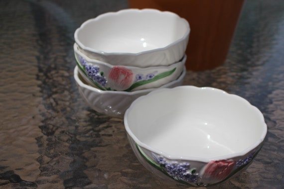 Otagiri Mary Ann Baker Hand painted Tulip Flower Set of 4 Cereal Soup Bowls