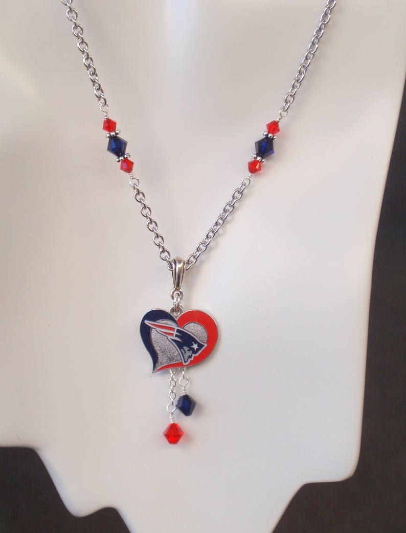 New England Patriots Navy and Red Crystal Pro Football NE Pats Women/'s Necklace