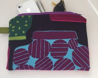 marimekko zippered medium pouch //