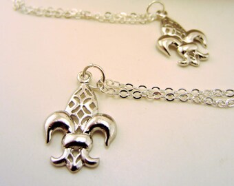3 best friend necklace. Fleur de lis necklaces. Fleur de lis jewelry. Set of 3. Silver necklace. Charm necklace. Best friend gift.