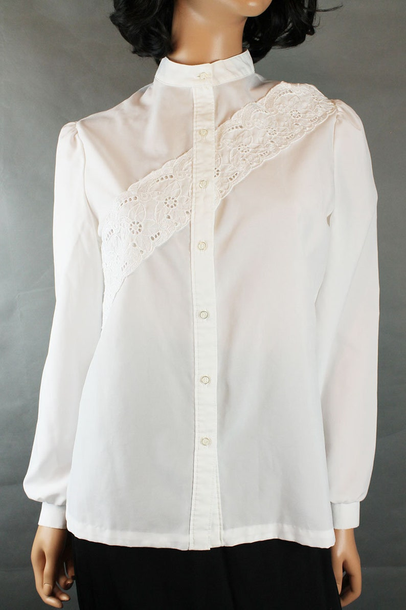 Vintage Blouse 10 M 80s Ship N Shore White Embroidered Dress Shirt Nehru Collar Free US Shipping