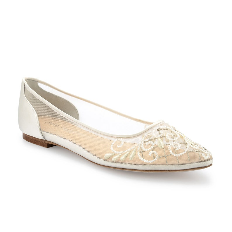 20e128f508b Comfortable silver embroidery romantic ivory wedding flat