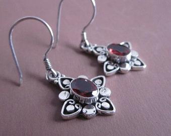 Bali Sterling Silver Garnet Dangle Earrings / 1.35 inch long / silver 925 /  Balinese handmade jewelry / (#86m)