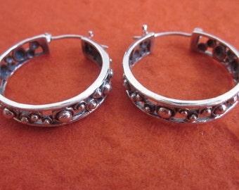 Silver sterling hoop earrings from Bali / silver 925 / Balinese Handmade Jewelry / (#102m)