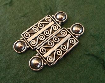 Oblong Sterling Silver stud Earrings / Bali handmade jewelry / silver 925 / 1 inch long / (#204m)
