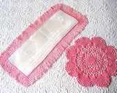 Table Cloth Towel Retro Vintage Runner Damask Linen PINK Crocheted Lace Doily Set