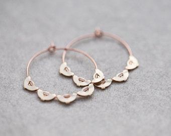 Boho Hoop boucles d'oreilles Rose or laiton festonné bord cerceaux moderne bijoux Bohème style