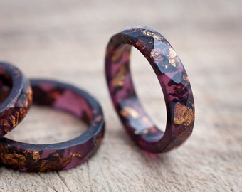Deep Purple Resin Ring Stacking Ring Copper Gold Flakes Small Faceted Ring OOAK marsala geometric jewelry