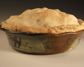 Wheelthrown Pie Pan Baking Pan Quiche in Fern, Oak ,Ginkgo and Maple Leaves