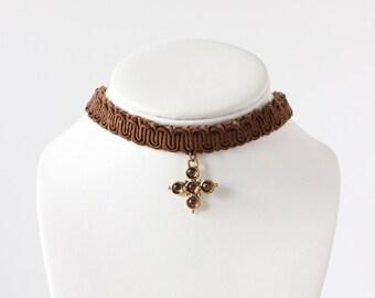 Vintage des années 1990 marron strass Croix Collier ras de cou
