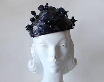1950s Hat / Vintage Navy Blue Berries Demi Chapeaux Hat