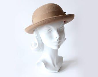 1980s Hat / Vintage Camel 100% Wool Michael Howard Bowler Hat