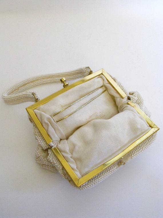 1960s Bag / Vintage Gold and White Beaded Top Han… - image 4