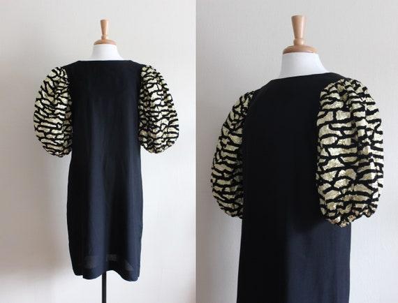 Vintage 1970s Black & Gold Lamé Puff Sleeve Dress