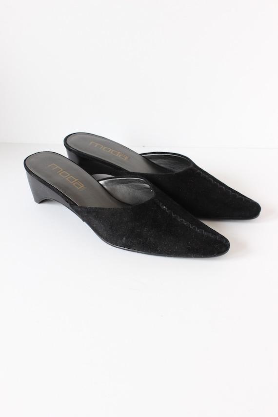 Vintage 1990s Moda Black Suede Pointy Toe Mules, … - image 3