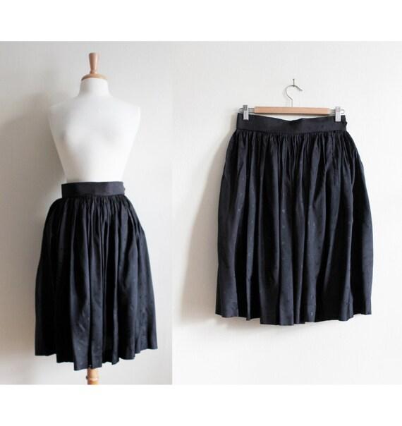1950s Skirt / Vintage Black Arrow Print Taffeta Sk