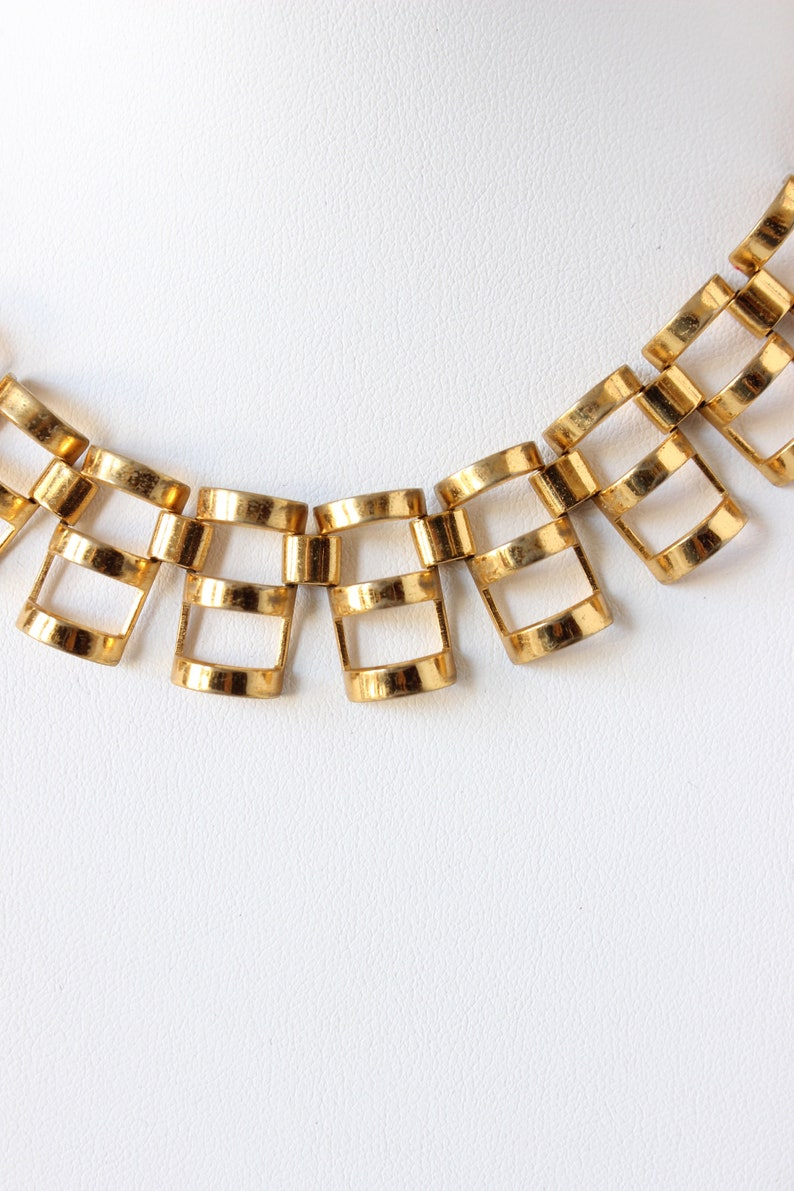 Vintage Gold Tone Dimensional Link Necklace