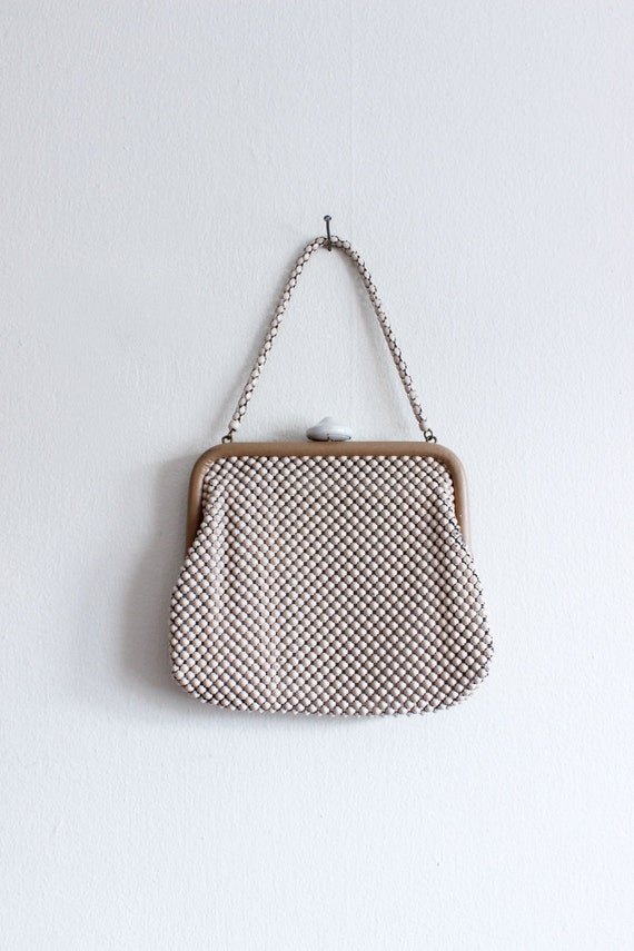 Vintage 1930s Whiting and Davis Alumesh Bag / Whit